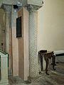 San Cebrián de Mazote iglesia mozarabe columna reutilizada ni.jpg