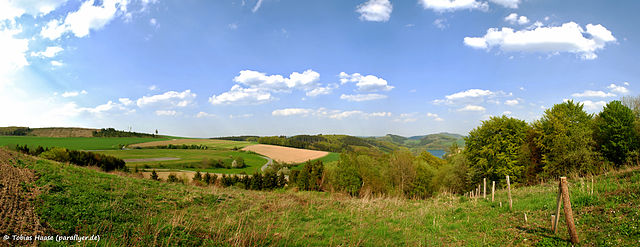 File:Sauerland panorama (5655072861).jpg - Wikimedia Commons