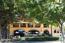Seaview Hotel, The Strand, Townsville.jpg