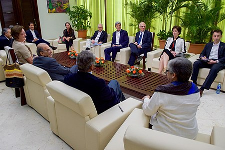 Secretary Kerry Meets With Colombian Officials in Havana, Cuba (25876911641).jpg