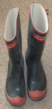 c52ec0453e6 Skellerup Red Band rubber knee boots popular in New Zealand