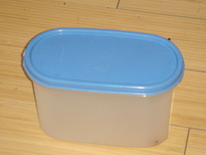 Food storage - Plastic storage containers can be used to store food.