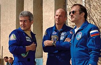 Soyuz TMA-8 - Image: Soyuz TMA 8 crew