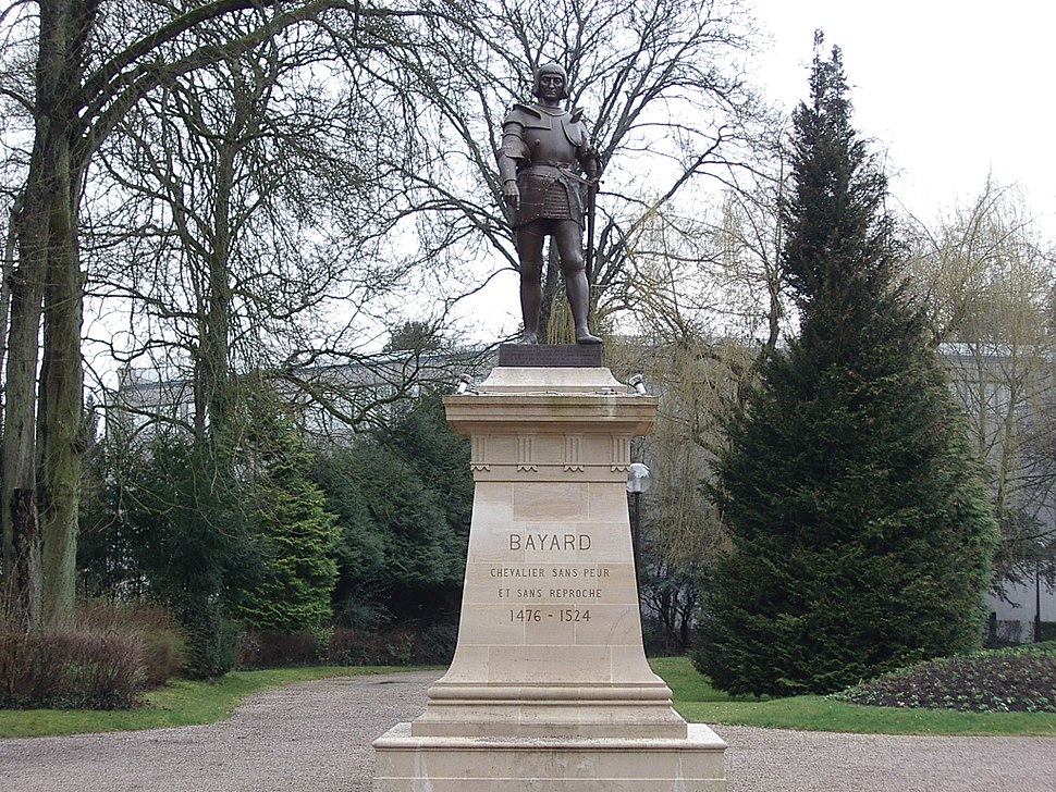 Statue Bayard1 Mézières