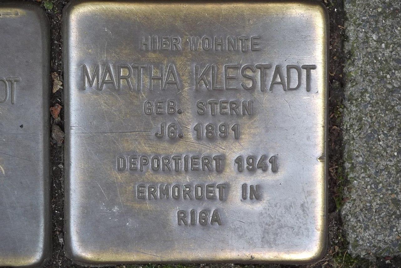 Stolperstein Duisburg 500 Altstadt Mainstraße 50 Martha Klestadt.jpg
