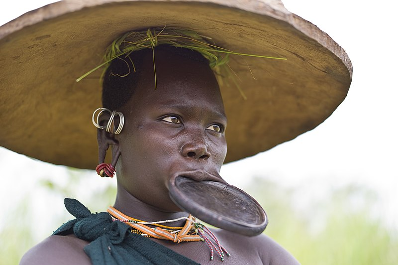 bizarre and weirdest tribes in the world and their