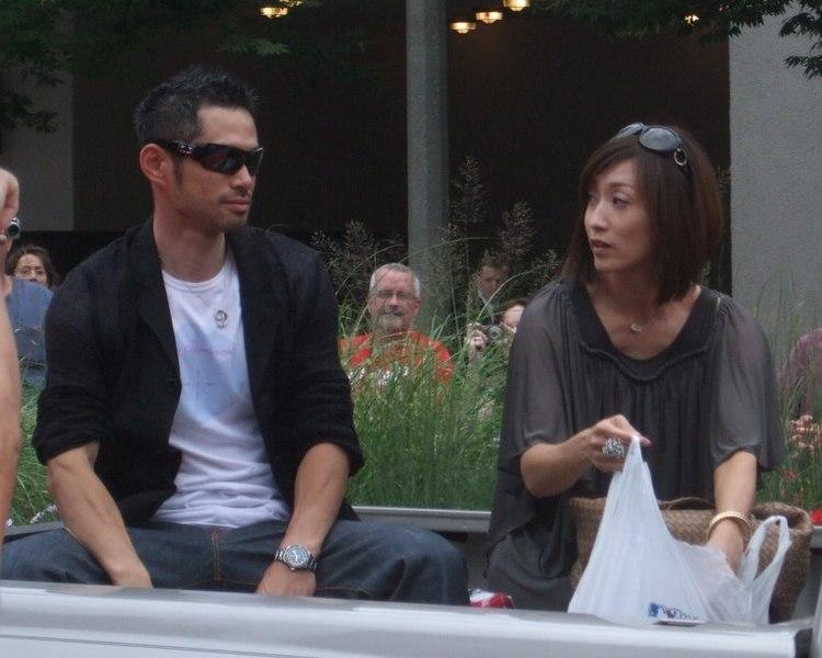 Suzuki Ichirō and his wife Yumiko