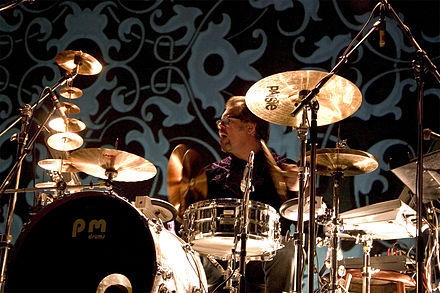 Pat Mastelotto playing a kit with both acoustic and electronic drums, 2005 Tampere Jazz Happening 2005 - KTU 2.jpg
