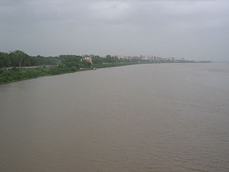 Tapi River in Surat.jpg