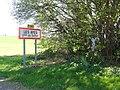 Teilhet (Puy-de-Dôme) wayside cross and city limit signe Les Ayes.JPG