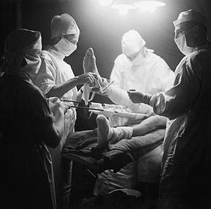 Royal Army Medical Corps - Army surgeons carry out an operation during the Second World War