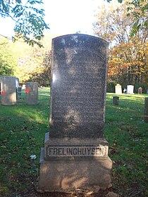 Theodorus Jacobus Frelinghuysen cenotaph.jpg