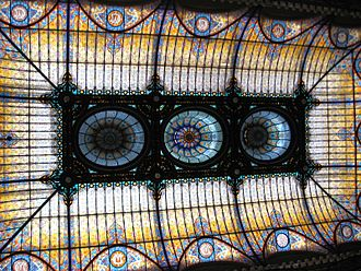 Old Portal de Mercaderes (Mexico City) - Art Nouveau stained glass ceiling in the hotel