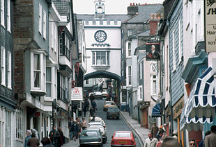 The Eastgate over the High Street in 1983