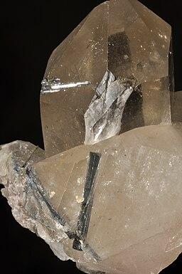 Tourmaline verte sur quartz 3(Brésil)
