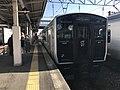 Train for Haiki Station at Hizen-Yamaguchi Station.jpg