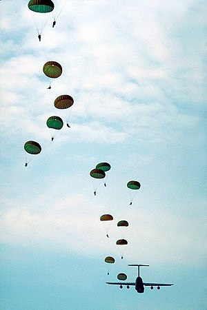 Fort Bragg - Paratroopers in training at Fort Bragg