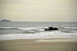 US Navy 120206-N-KB666-180 Amphibious assault vehicles (AAV) from the amphibious transport dock ship USS Oak Hill (LSD 51) make their way toward th.jpg