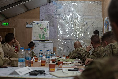 US and Iraqi leaders discuss battle plans at Q-West.jpg