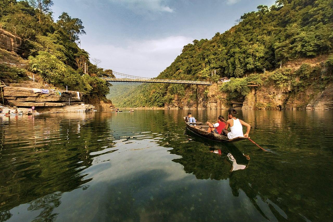 File:Umngot river, Dawki.jpg - Wikimedia Commons