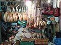 Un magasin artisanal de la médina de Rabat.jpg
