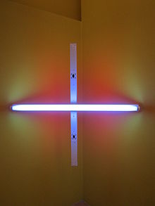 Description de l'image  Unititled (Corner Piece) by Dan Flavin, Tate Liverpool.jpg.