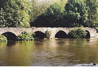 Vézère - Image: Vézère vieux pont