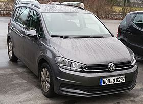 VW Touran II-2.jpg