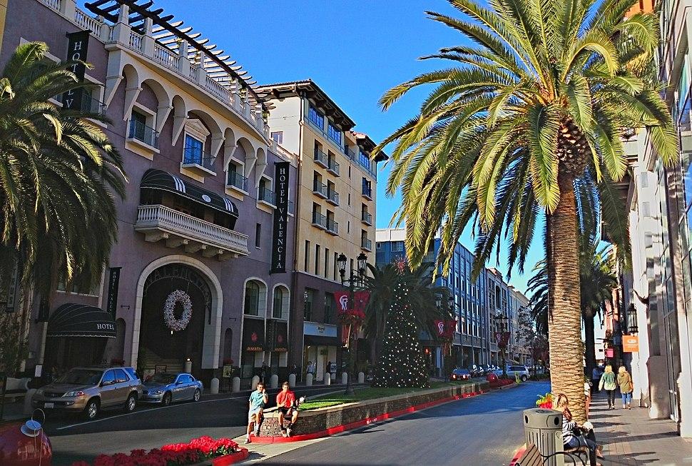 Valencia Hotel, Santana Row (cropped)