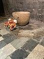Vasque - cathédrale Notre-Dame d'Embrun.jpg