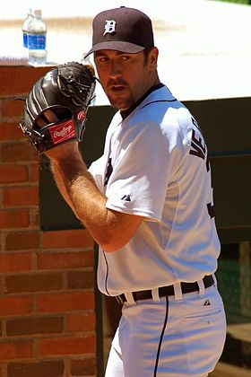 Verlander warms up.jpg