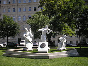Monument to Antonio Vivaldi, outside the Votiv...