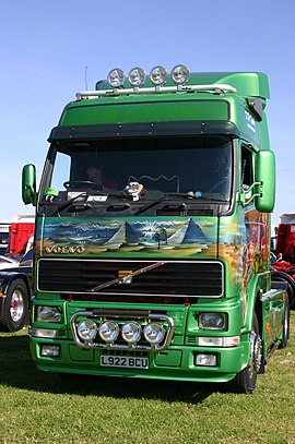 Volvo FH12 at a Yorkshire event.jpg