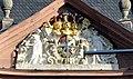 Würzburg Neumünster Fassadendetail Wappen Johann Philipp von Greiffenclau-Vollraths.jpg