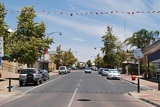 Waikerie, South Australia - Peake Tce, the main street of Waikerie
