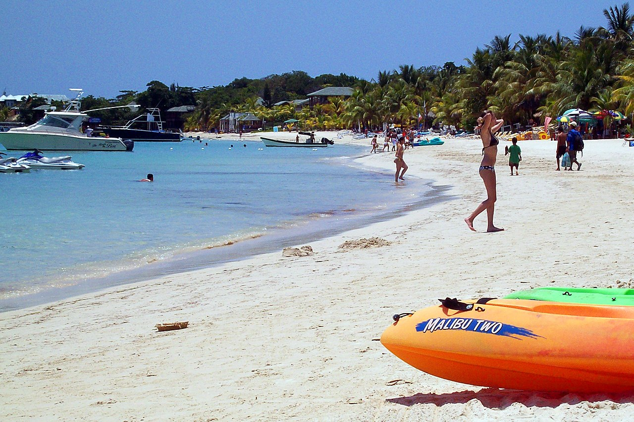 West Bay Beach Roatan Hotels