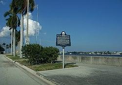 Cid Historic District Palm Beach Florida Apts