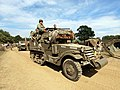 White halftrack, hoodno USA 402686 pic2.JPG