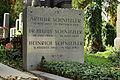 Wiener Zentralfriedhof - Gruppe 6 - Arthur und Julius und Heinrich Schnitzler.jpg