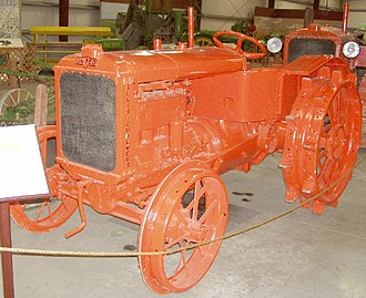 Allis-Chalmers - United tractor on display at Heidrick Ag History Center, Woodland, California, USA.