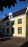 foto van Voormalig predikantenwoning, voormalig raadshuis Oostzaandam