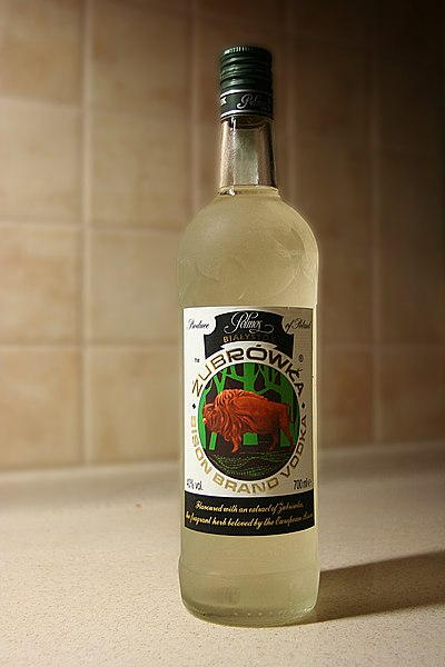 http://upload.wikimedia.org/wikipedia/commons/thumb/a/ab/Zubrowka_vodka_01.jpg/400px-Zubrowka_vodka_01.jpg