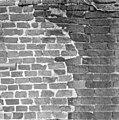 Zuid-gevel, dichtgemetseld romaans venstertje - Baflo - 20027416 - RCE.jpg