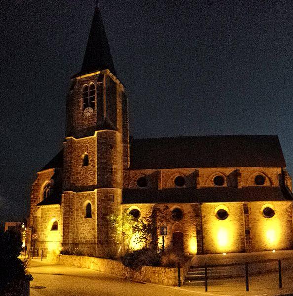 L'église Saint-Victor est une église gothique construite dans le centre ville de Guyancourt.