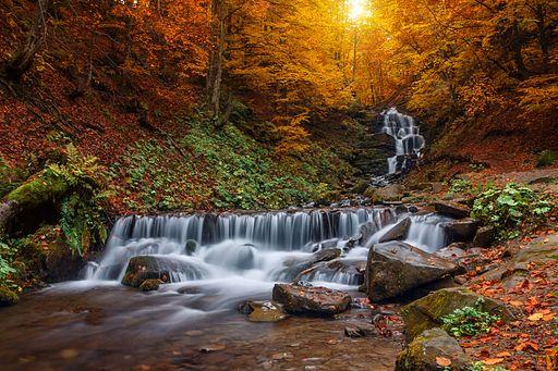 Казковий водоспад