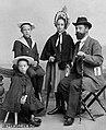 Семён Петрович Чоколов и его дети.jpg