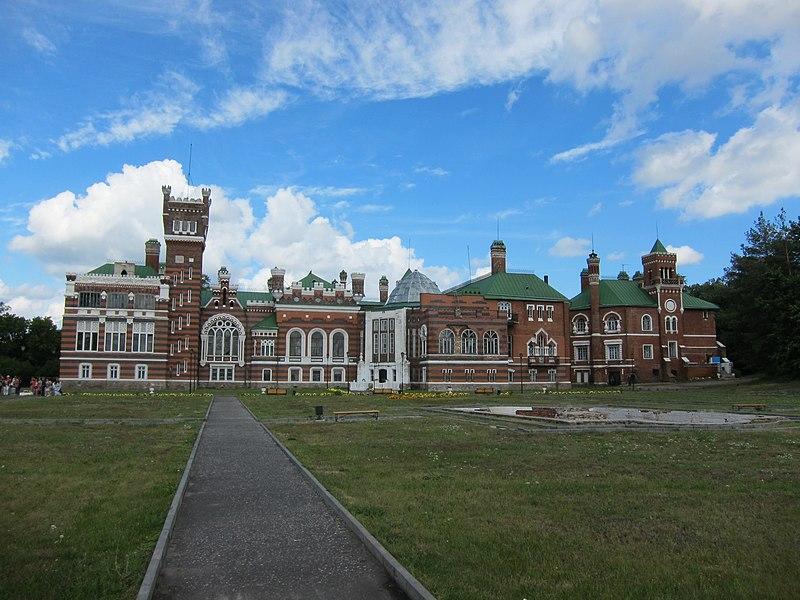 Файл:Юрино - замок Шереметевых - южный фасад 1.jpg