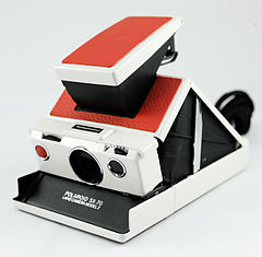 0367 SX70 Alpha 2 in white and red (5754963493).jpg