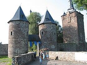 Le château de Sombreffe (XIIIe – XVesiècle)