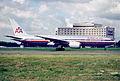 144ay - American Airlines Boeing 777-223ER, N776AN@CDG,10.08.2001 - Flickr - Aero Icarus.jpg